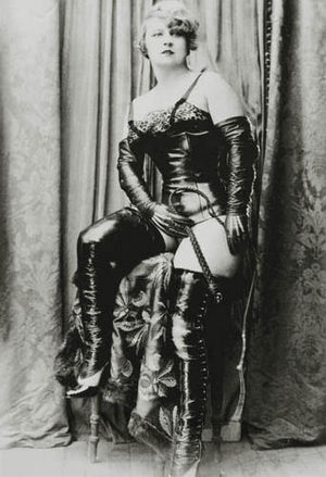 HISTORIA DEL CUERO EN EL BDSM